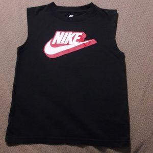 Boys sz 6 NIKE summer shirt